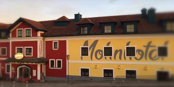 Bergwirt Schrammel & Mohnhotel