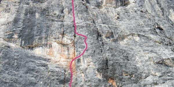 """Routenverlauf der """"Via Marte"""" (VII-) an der Schwarzen Mauer der Rosengartenspitze-Ostwand"""