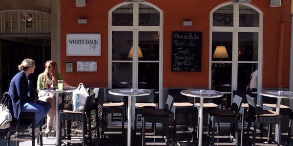 Das Café & Bistro Wörtz Bäck ist ein beliebter Treffpunkt im Zentrum von Bruneck