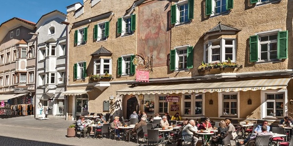 In the heart of Vipiteno lies the Hotel restaurant Lilie.