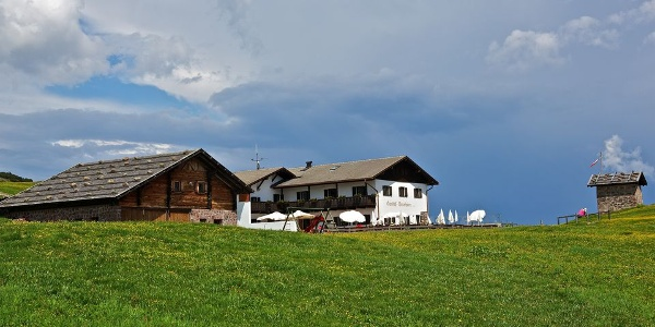 In the hiking area Corno del Renon the Unterhorn mountain inn and restaurant is a popular resting stop.