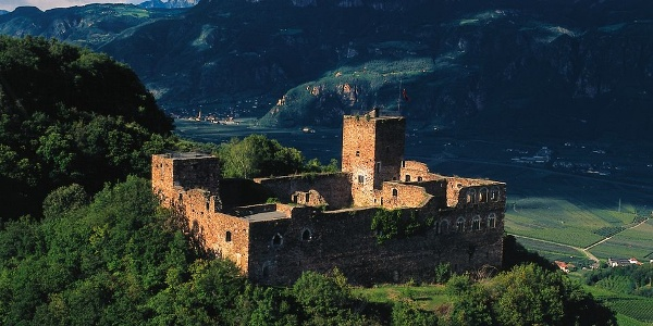 Boymont castle high above the Adige valley
