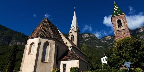 Die Kirche mit den zwei Türmen