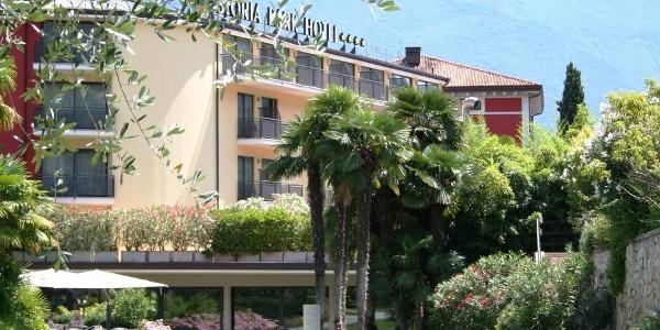 Welcome to the Astoria Park Hotel in Riva del Garda!