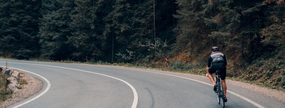 Ausgewählte Rennradtouren führen dich durch atemberaubende Landschaft