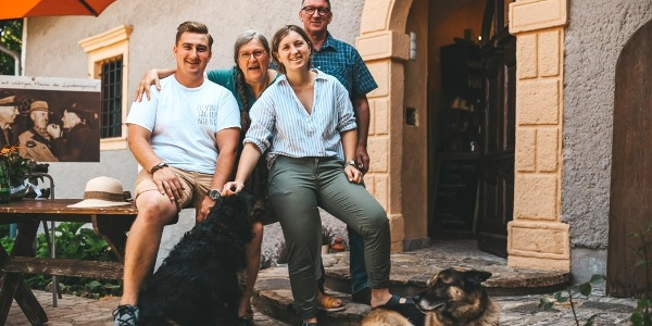 Kästenburg_Familie_Jakope_Barthau