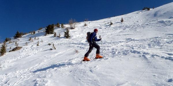 Der Aufstieg von der Patscherkofelseilbahn Bergstation zum Gipfel des Patscherkofels