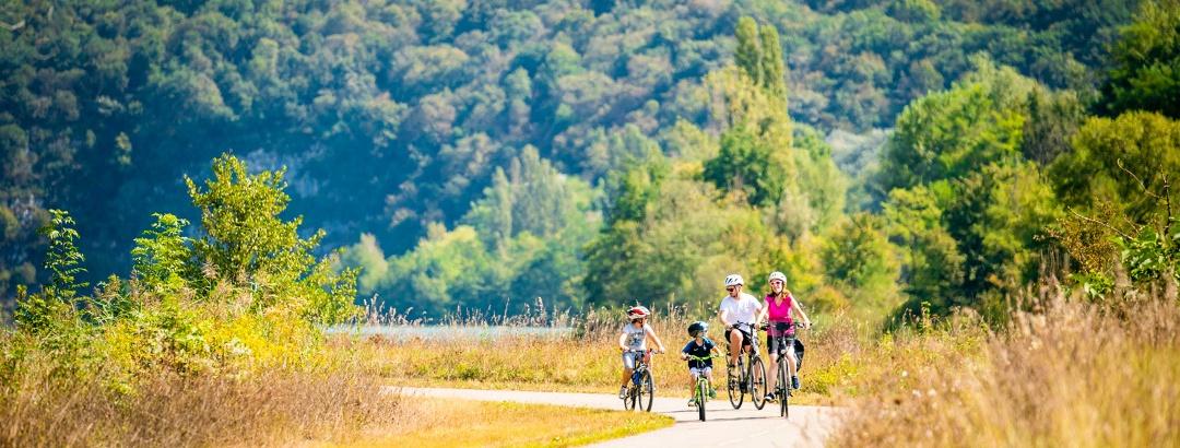 Vélo en famille  le long du Rhône, sur la ViaRhôna