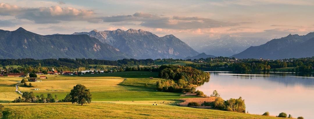 Blick auf Bayerischen Alpen in Bayern / Süddeutschland