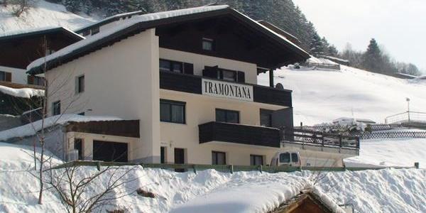 Hausansicht Winter Tramontana