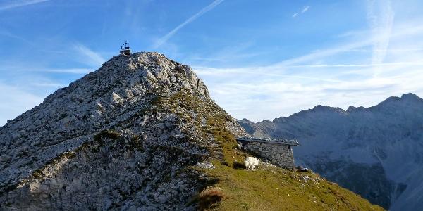 kurz vor dem Gipfel das Steinhüttl der Melzer Knappen
