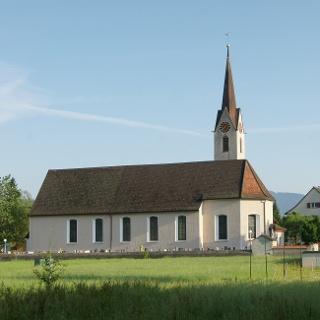 Pfarrkirche Heiliger Bartholomäus, mit Friedhof