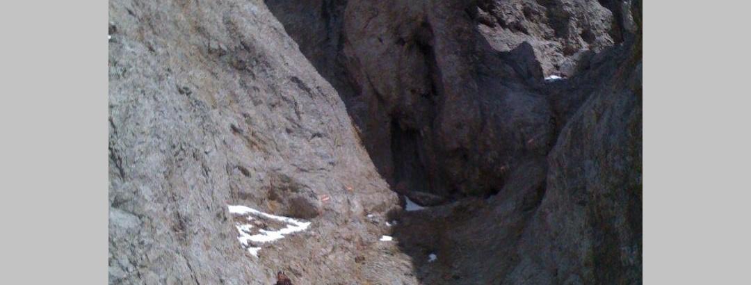 Klettern unterhlab der Teufelslöcher.