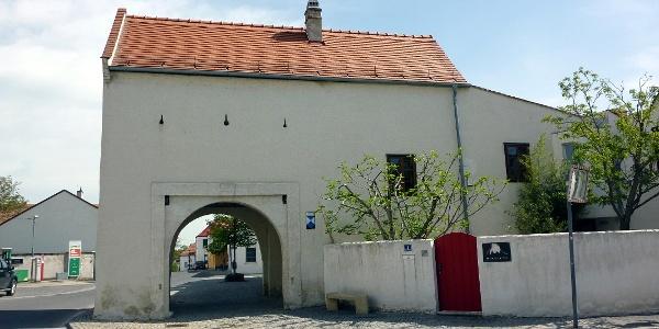 Das Rustertor, eines der drei befestigten Tore von Purbach