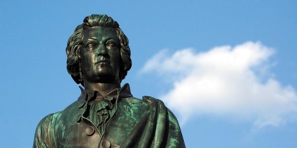 Mozart-Statue am Mozartplatz