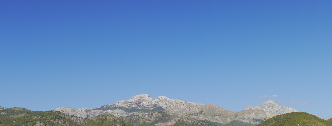 Vista a Sa Mola de s´Escolop desde el Port d´ Andratx