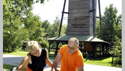 Am Freesdorfer Aussichtsturm bietet sich ein Picknick an.