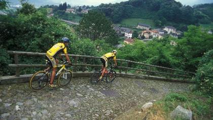Bici sulla Via Claudia Augusta - discesa per Strigno