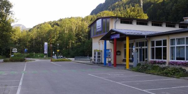 Bei der Katrinseilbahn gibt es einen großen Parkplatz - 4€ Tagesgebühr (Rückvergütung bei Kauf einer Seilbahnkarte)