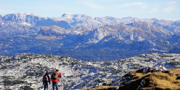 Vom Schönberg hat man einen grandiosen Ausblick auf das Tote Gebirge (30.10.2011)
