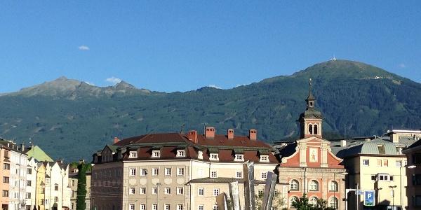 Blick von Innsbruck auf die erste Etappe Patscherkofel - Glungezer