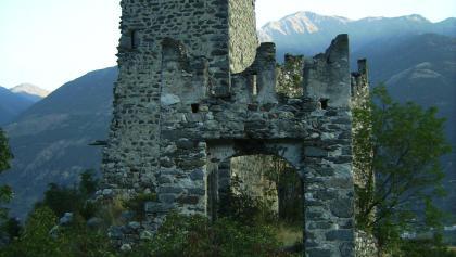 Die Ruine der Burg Untermontani.