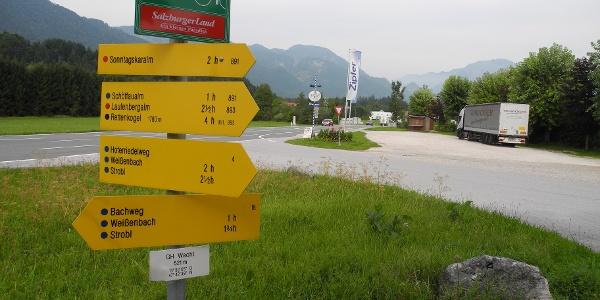 """Ab der Landesgrenze beim Gasthof zur Wacht folgen wir dem """"Bachweg 18""""."""