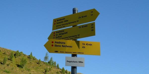 Bei der Pregatscharte führen zwei Wege zur Priesshütte