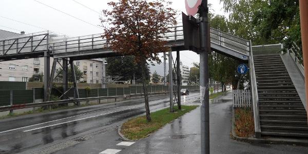 Überführung über die Bundesstraße und die Bahnstrecke bei der Marksgasse