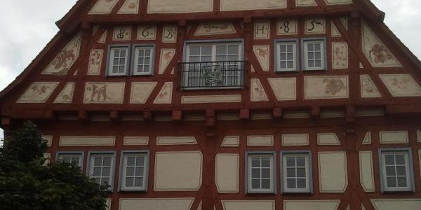 und das Rathaus.