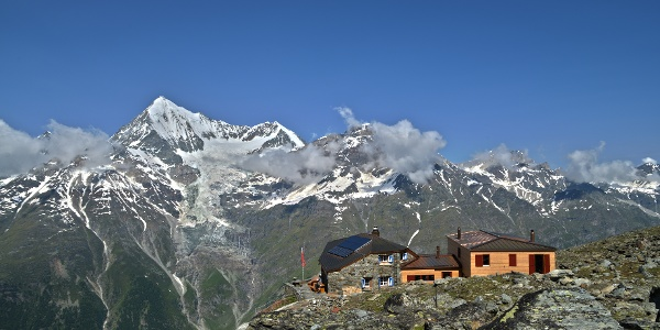 Dom hut (2,940 m), run by the Swiss Alpine Club (SAC)