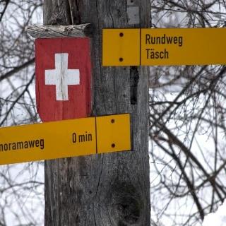 Randonnée hivernale à Täsch