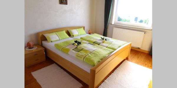 Schlafzimmer in der großen Wohnung