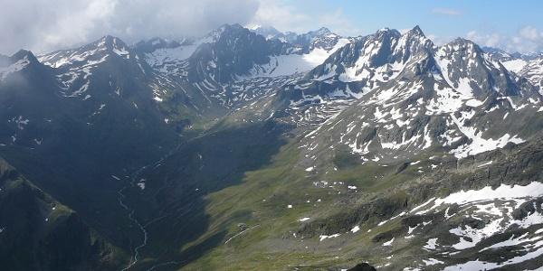 Gipfelblick ins Gleirschtal aus den Gleirschgletscher