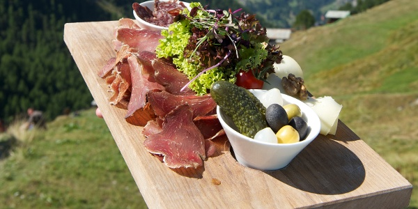 Kulinarische Genüsse in den zahlreichen Bergrestaurants