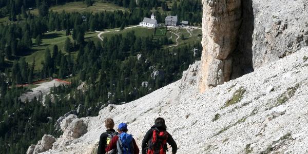 Der Abstieg durch das Medesc-Tal