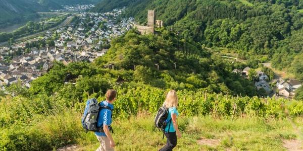 Uitzicht op de Niederburg en Kobern-Gondorf