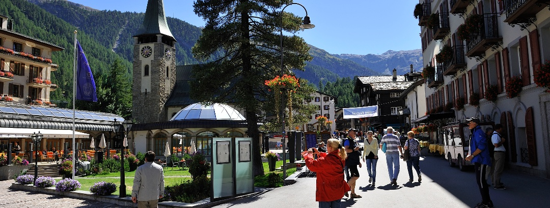 Bahnhofstrasse kurz vor dem Kirchplatz