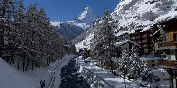 Photo location on the Kirchbrücke bridge - beautiful in winter, too