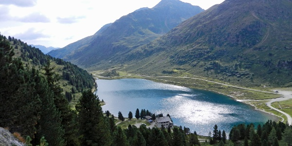 Obersee mit Oberseehütte