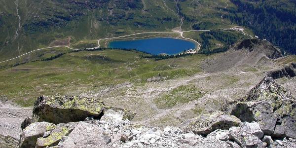 Der Obersee liegt fast 1000 Höhenmeter unter dem Almerhorn