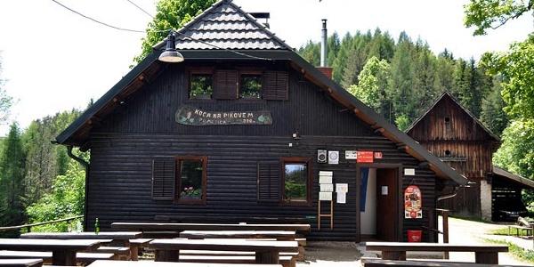 Pikovo Hütte